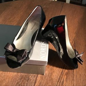 Nordstrom Black Patent Wedge Dress Shoes With Bow